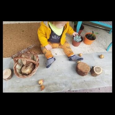 Ruka - Jugant amb elements naturals